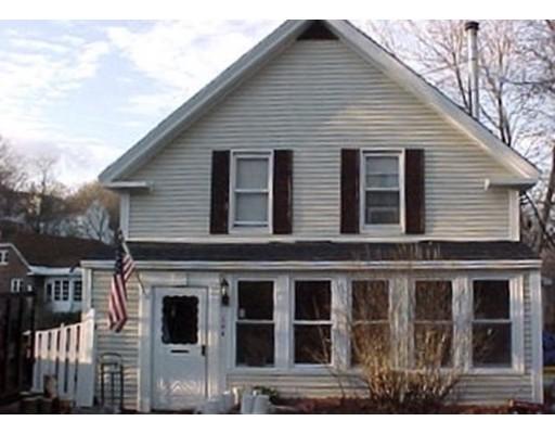 واحد منزل الأسرة للـ Sale في 104 Heywood Street 104 Heywood Street Fitchburg, Massachusetts 01420 United States