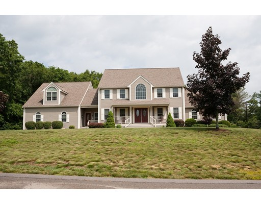 Casa Unifamiliar por un Venta en 7 Jocelyn Circle Taunton, Massachusetts 02780 Estados Unidos