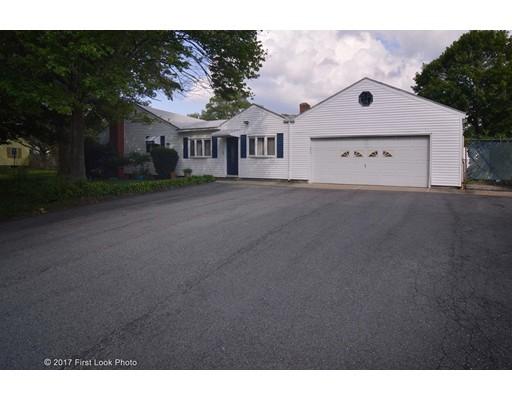 58 Holly St, Attleboro, MA 02703