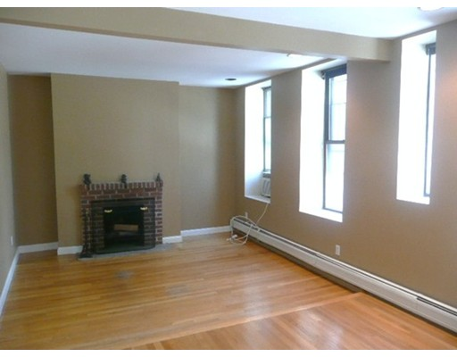 Townhome / Condominium for Rent at 133 Saint Botolph Street Boston, Massachusetts 02115 United States