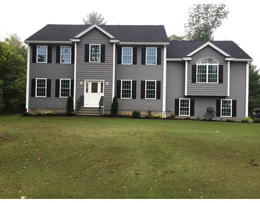 Single Family Home for Sale at 600 Pelham Road Dracut, 01826 United States