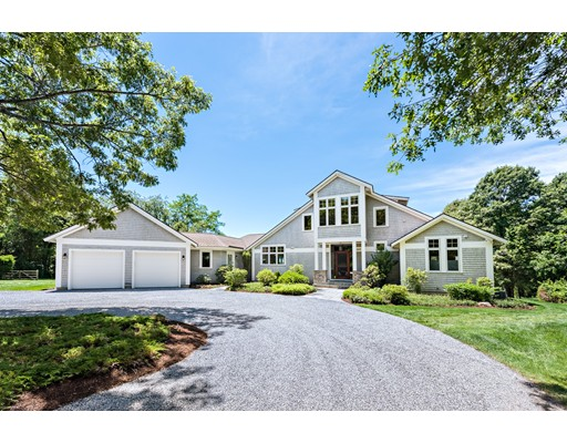 Single Family Home for Sale at 1075 Gardners Neck Road 1075 Gardners Neck Road Swansea, Massachusetts 02777 United States
