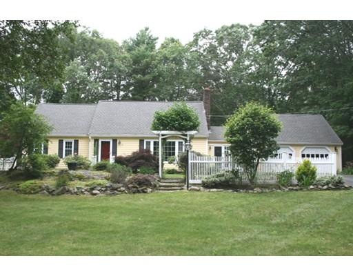 Maison unifamiliale pour l Vente à 51 Bennett Hill Road 51 Bennett Hill Road Rowley, Massachusetts 01969 États-Unis
