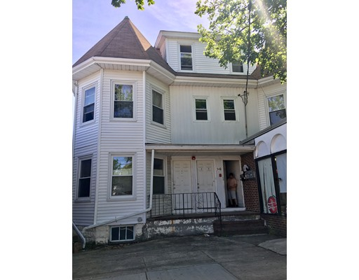 Casa Multifamiliar por un Venta en 148 Mass Avenue Arlington, Massachusetts 02472 Estados Unidos