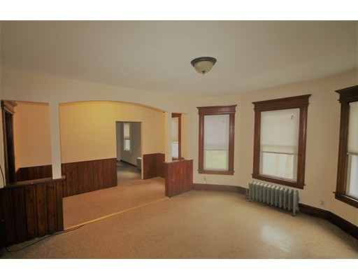 独户住宅 为 出租 在 26 Huntington Springfield, 马萨诸塞州 01107 美国