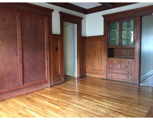独户住宅 为 出租 在 143 Fuller Street 布鲁克莱恩, 马萨诸塞州 02446 美国