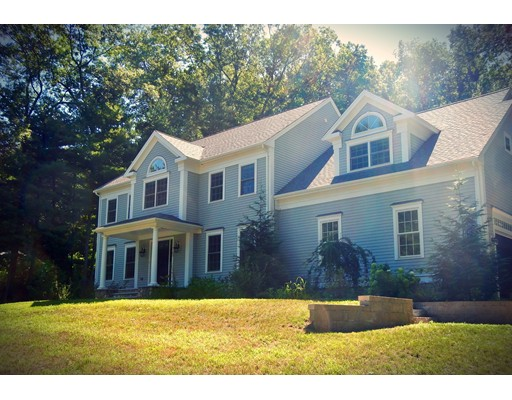 Single Family Home for Sale at 136 Washington Street Hanover, Massachusetts 02339 United States