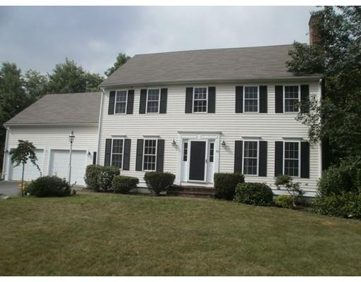 واحد منزل الأسرة للـ Sale في 43 Orchard Circle Halifax, Massachusetts 02338 United States