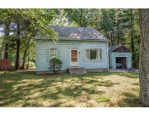 واحد منزل الأسرة للـ Sale في 1244 Blue Hills Road Bloomfield, Connecticut 06002 United States