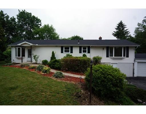 独户住宅 为 销售 在 134 Vermont Street 134 Vermont Street Holyoke, 马萨诸塞州 01040 美国