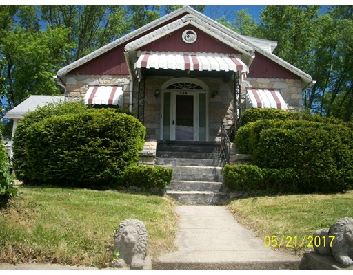 واحد منزل الأسرة للـ Sale في 764 Cass Woonsocket, Rhode Island 02895 United States