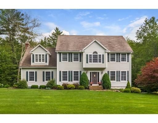 واحد منزل الأسرة للـ Sale في 43 Wallis Street Douglas, Massachusetts 01516 United States
