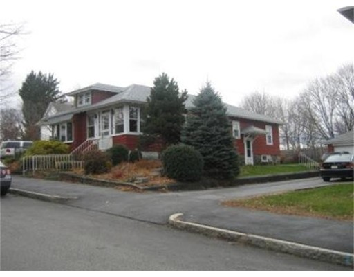 独户住宅 为 出租 在 136 Delmont Avenue 伍斯特, 01604 美国