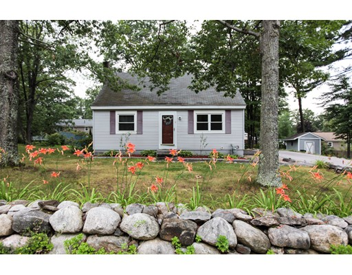 Single Family Home for Sale at 9 Park Street Allenstown, New Hampshire 03275 United States