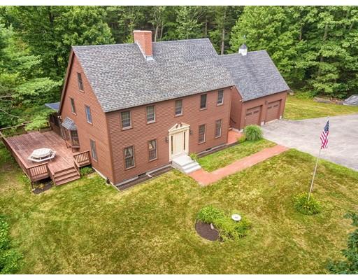 Частный односемейный дом для того Продажа на 1145 Elm Street Leominster, Массачусетс 01453 Соединенные Штаты