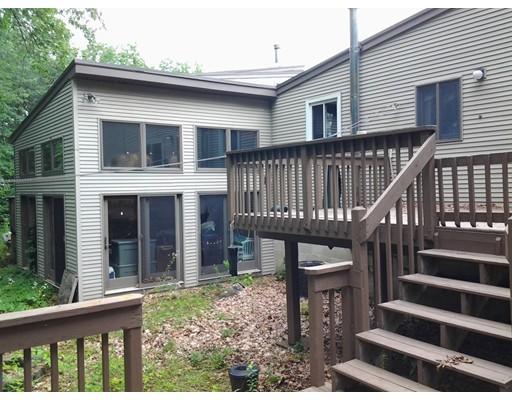 多户住宅 为 销售 在 25 Coyne Street 25 Coyne Street Clinton, 马萨诸塞州 01510 美国