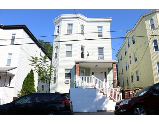 متعددة للعائلات الرئيسية للـ Sale في 53 THORNTON Revere, Massachusetts 02151 United States