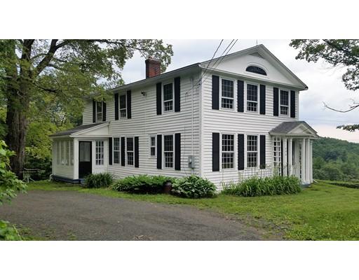 واحد منزل الأسرة للـ Sale في 604 Main Road Granville, Massachusetts 01034 United States