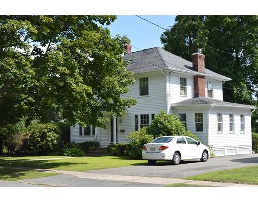 独户住宅 为 销售 在 8 Wyckoff Avenue 8 Wyckoff Avenue Holyoke, 马萨诸塞州 01040 美国
