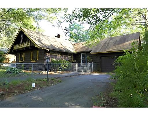 Maison unifamiliale pour l Vente à 47 Lake View Circle Glocester, Rhode Island 02814 États-Unis