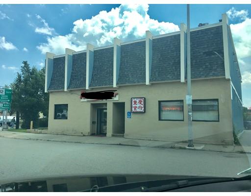 Commercial pour l Vente à 1083 Main Street 1083 Main Street Worcester, Massachusetts 01602 États-Unis