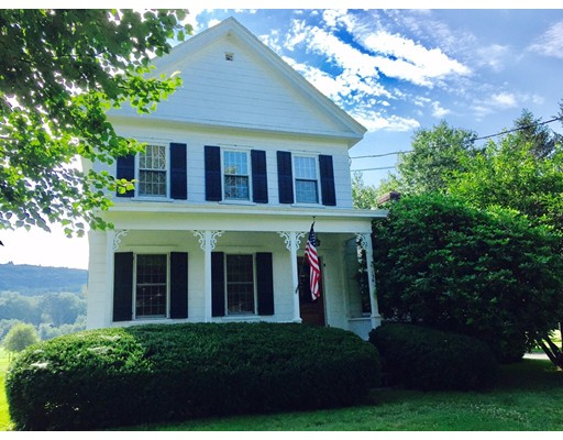 Casa Multifamiliar por un Venta en 154 N Main Street 154 N Main Street Sunderland, Massachusetts 01375 Estados Unidos