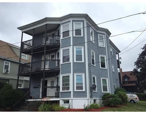 Многосемейный дом для того Продажа на 79 Lake View Avenue Lynn, Массачусетс 01904 Соединенные Штаты