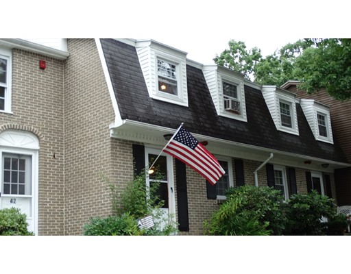 Additional photo for property listing at 15 Cannongate Road  Tyngsborough, Massachusetts 01879 Estados Unidos
