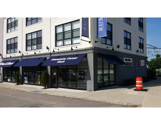 Comercial por un Alquiler en 214 Rumford Avenue 214 Rumford Avenue Mansfield, Massachusetts 02048 Estados Unidos