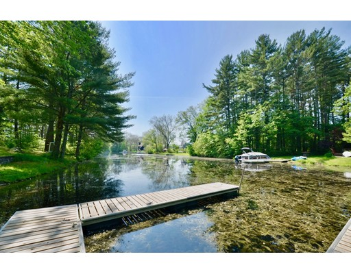 Single Family Home for Sale at 3 Hiawatha Drive Thompson, Connecticut 06277 United States
