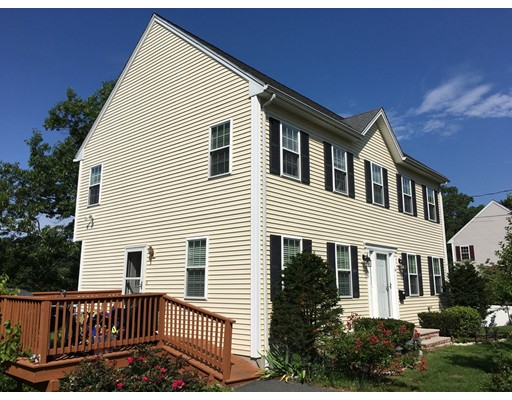 Single Family Home for Sale at 61 Pine Street Woburn, Massachusetts 01801 United States