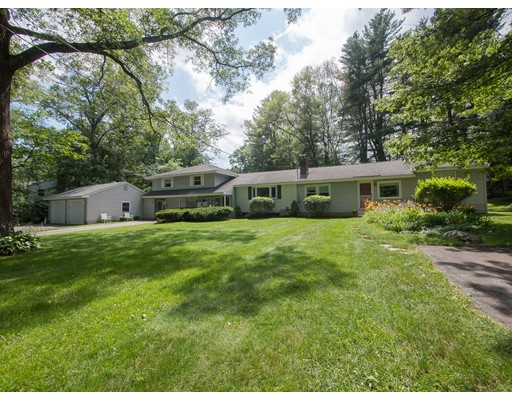 7 Pinewood Rd, Acton, MA 01720