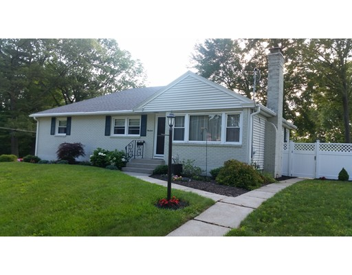 Casa Unifamiliar por un Venta en 19 ARROWHEAD Auburn, Massachusetts 01501 Estados Unidos