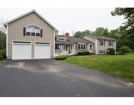 Maison unifamiliale pour l Vente à 51 Point Street Berkley, Massachusetts 02779 États-Unis