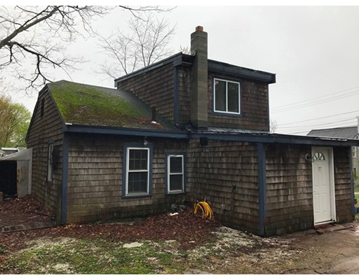 Single Family Home for Sale at 3 Oak Street Amesbury, Massachusetts 01913 United States