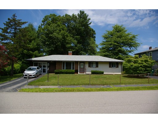 Single Family Home for Sale at 82 Rindone Street Holbrook, Massachusetts 02343 United States