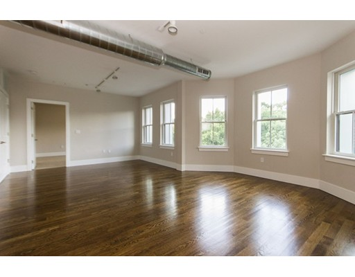 Additional photo for property listing at 10 St. George Street  Boston, Massachusetts 02118 Estados Unidos