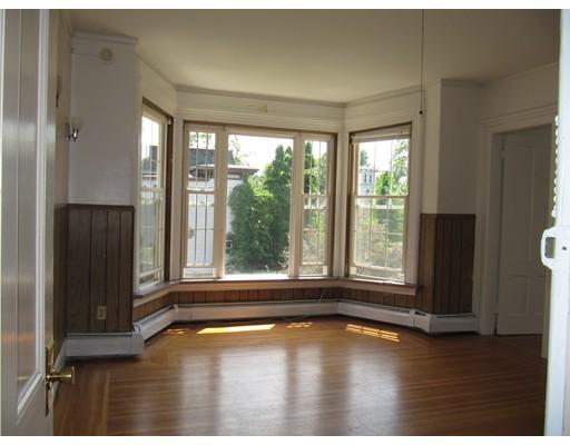 Casa Unifamiliar por un Alquiler en 26 Day Avenue Westfield, Massachusetts 01085 Estados Unidos