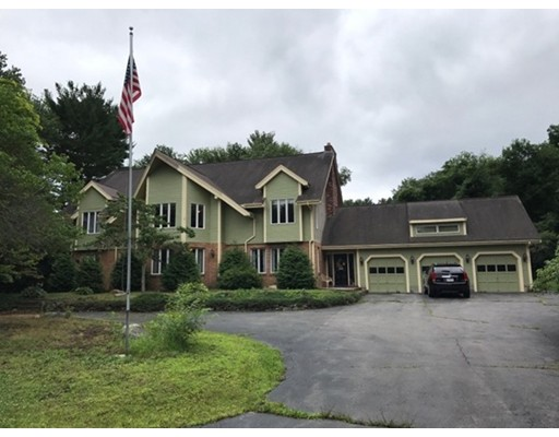 Single Family Home for Sale at 20 Fox Hill Drive 20 Fox Hill Drive Bridgewater, Massachusetts 02324 United States