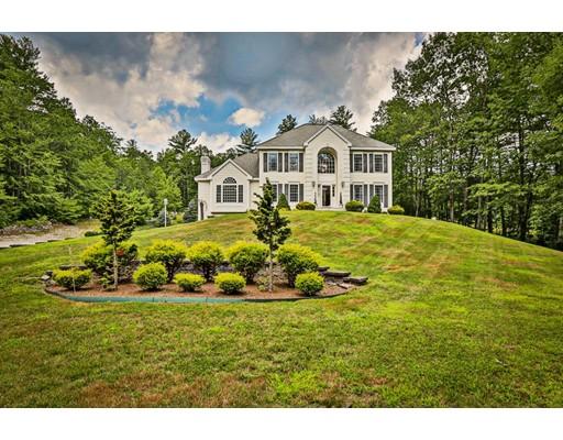 Maison unifamiliale pour l Vente à 1 Ashley Nicole Drive Plaistow, New Hampshire 03865 États-Unis
