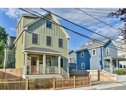 Maison unifamiliale pour l Vente à 8 Clyde Street Somerville, Massachusetts 02145 États-Unis