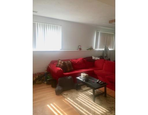 Частный односемейный дом для того Аренда на 17 Sagamore Street Braintree, Массачусетс 02184 Соединенные Штаты