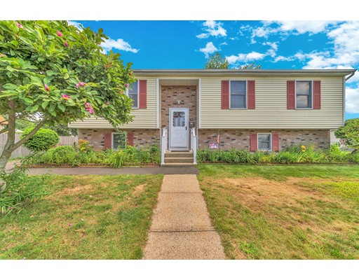 53 Moore St, Springfield, MA 01107