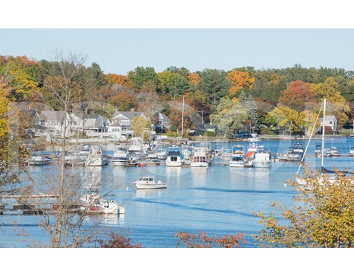 Appartement en copropriété pour l Vente à 60 Merrimac #402 60 Merrimac #402 Amesbury, Massachusetts 01913 États-Unis