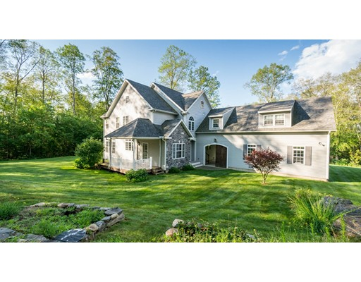 Single Family Home for Sale at 163 Lake Road 163 Lake Road Sturbridge, Massachusetts 01518 United States