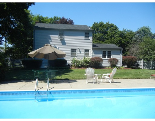 34 Brentwood Dr, Wilbraham, MA 01095