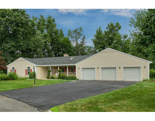 22 Wedgewood Dr, Haverhill, MA 01830