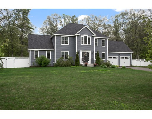 Single Family Home for Sale at 20 Olde Carriage Lane Douglas, Massachusetts 01516 United States