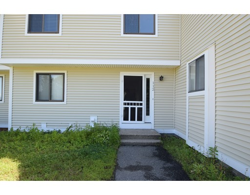 112 Bayberry Ln 112, Londonderry, NH 03053