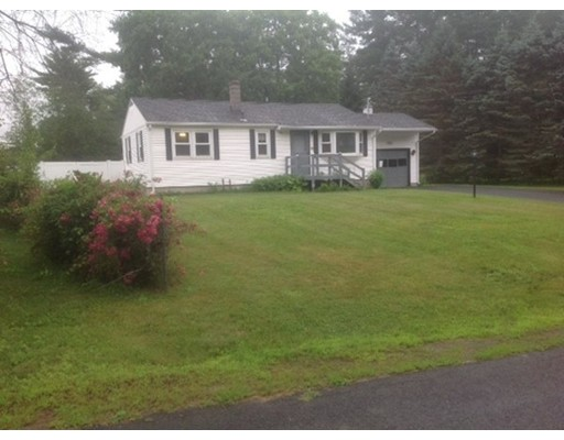 واحد منزل الأسرة للـ Sale في 46 Daniel Sq Belchertown, Massachusetts 01007 United States